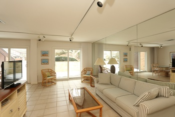 BEST PRICED CONDO IN THE HEART OF SOUTHAMPTON VILLAGE